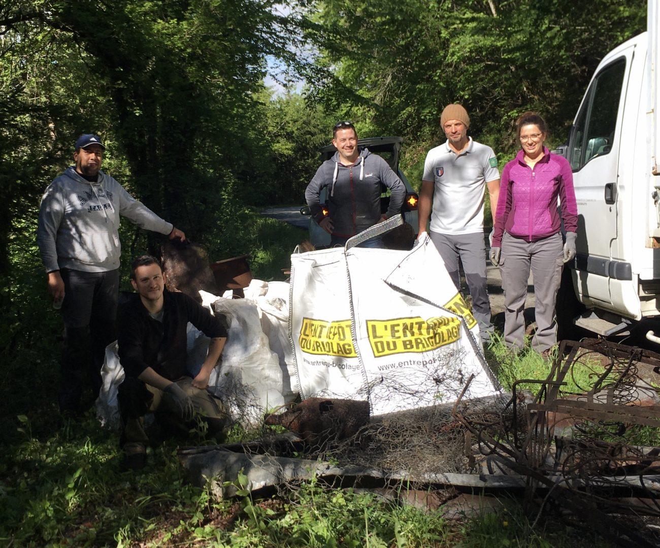 400kg de déchets évacués dans la Réserve Naturelle Régionale du Lac d'Aiguebelette